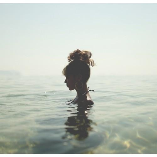 Alina Baraz Paradise